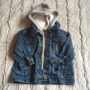 🎁18 mo hooded jean jacket unisex